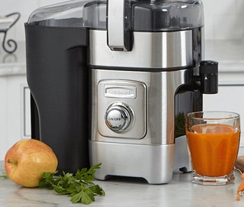 Which Small Juicer for Compact Kitchen is Better Manual or Electric